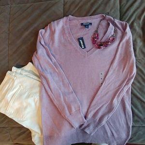 💗Old Navy Lavender v-neck sweater